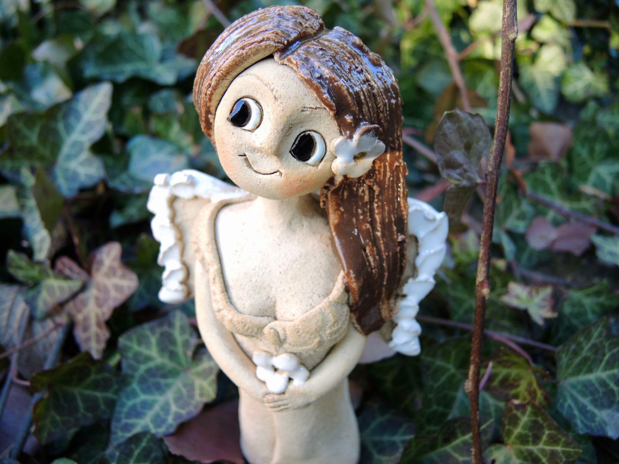 mini anděl andělka křídla panenka květina motýl keramika andee