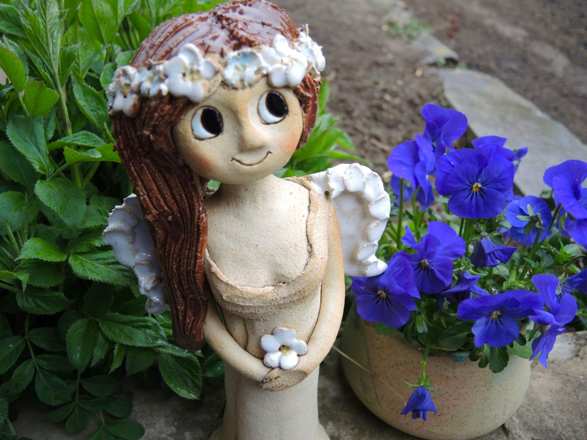 anděl andělka křídla jasmín socha figura dekorace květina keramika keramikaandee