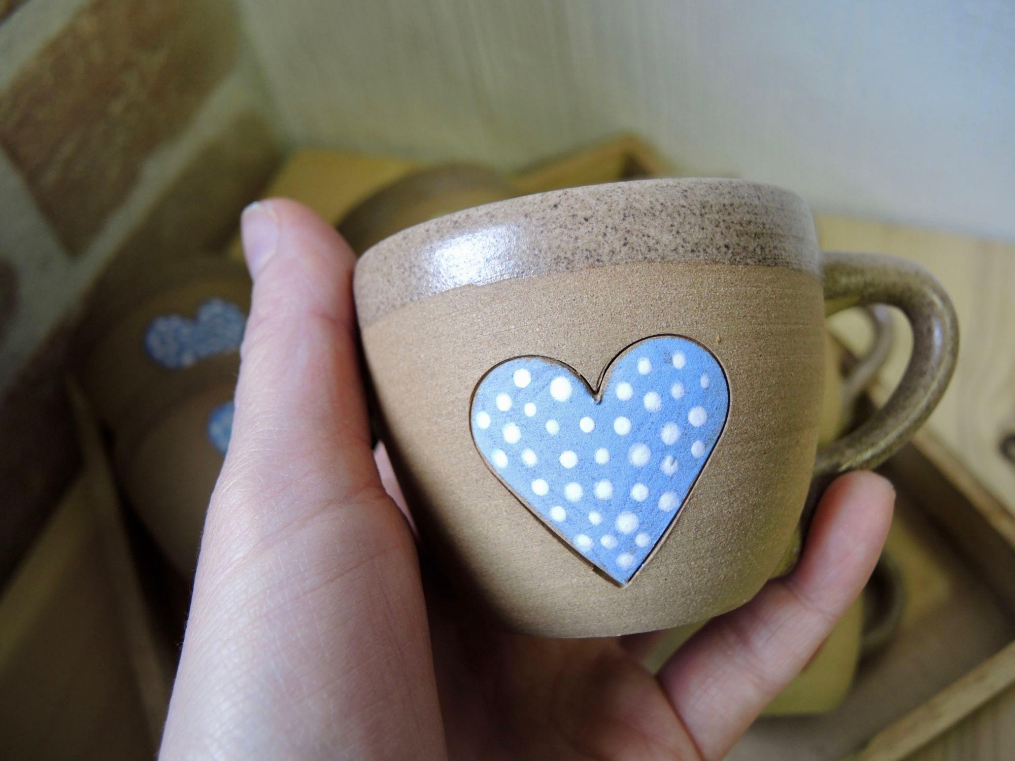 hrnek hrníček kafíčko srdíčka květ puntík keramika keramikaandee