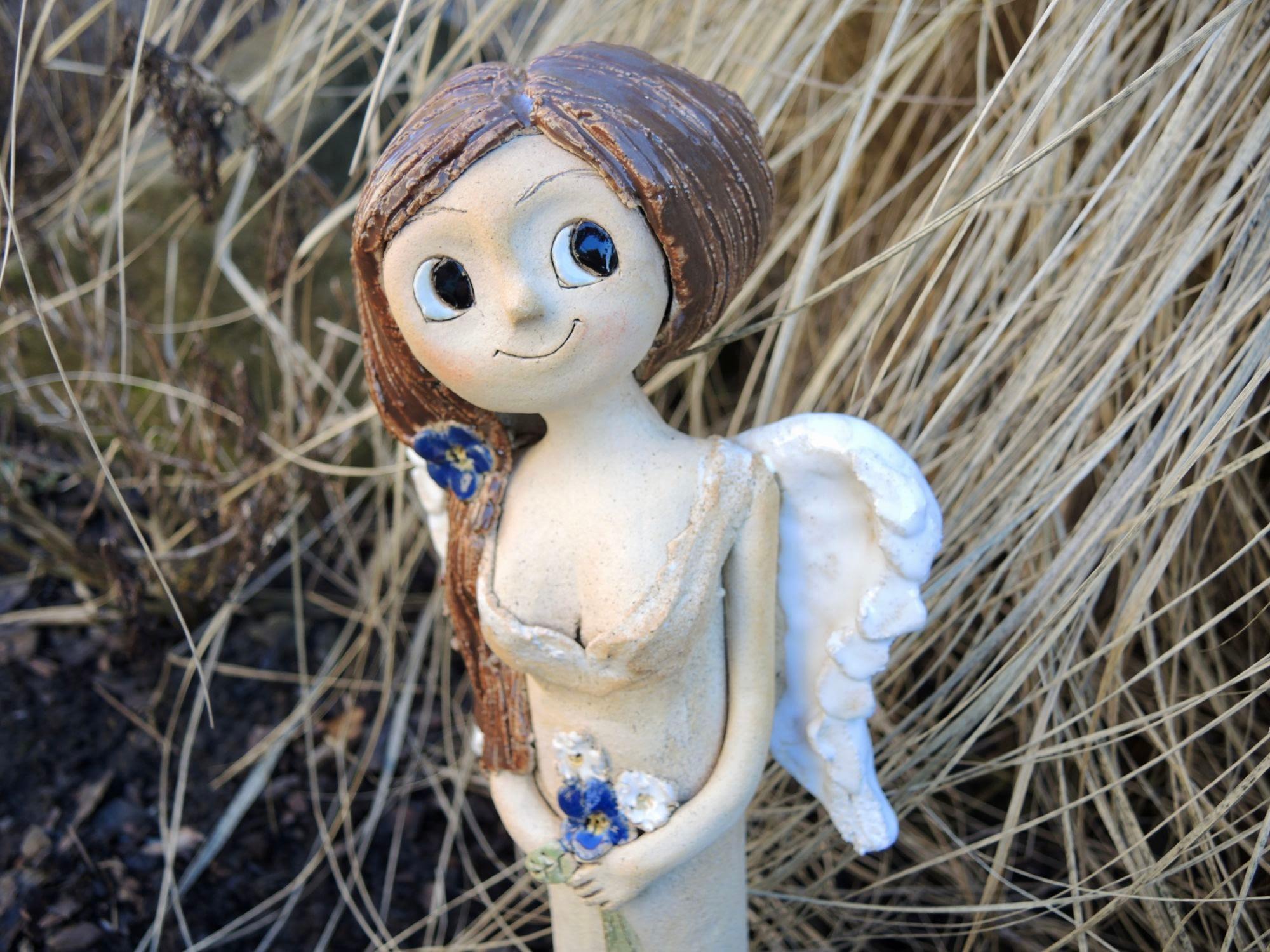 anděl andělka jasmín věneček křídla keramika figura keramikaandee