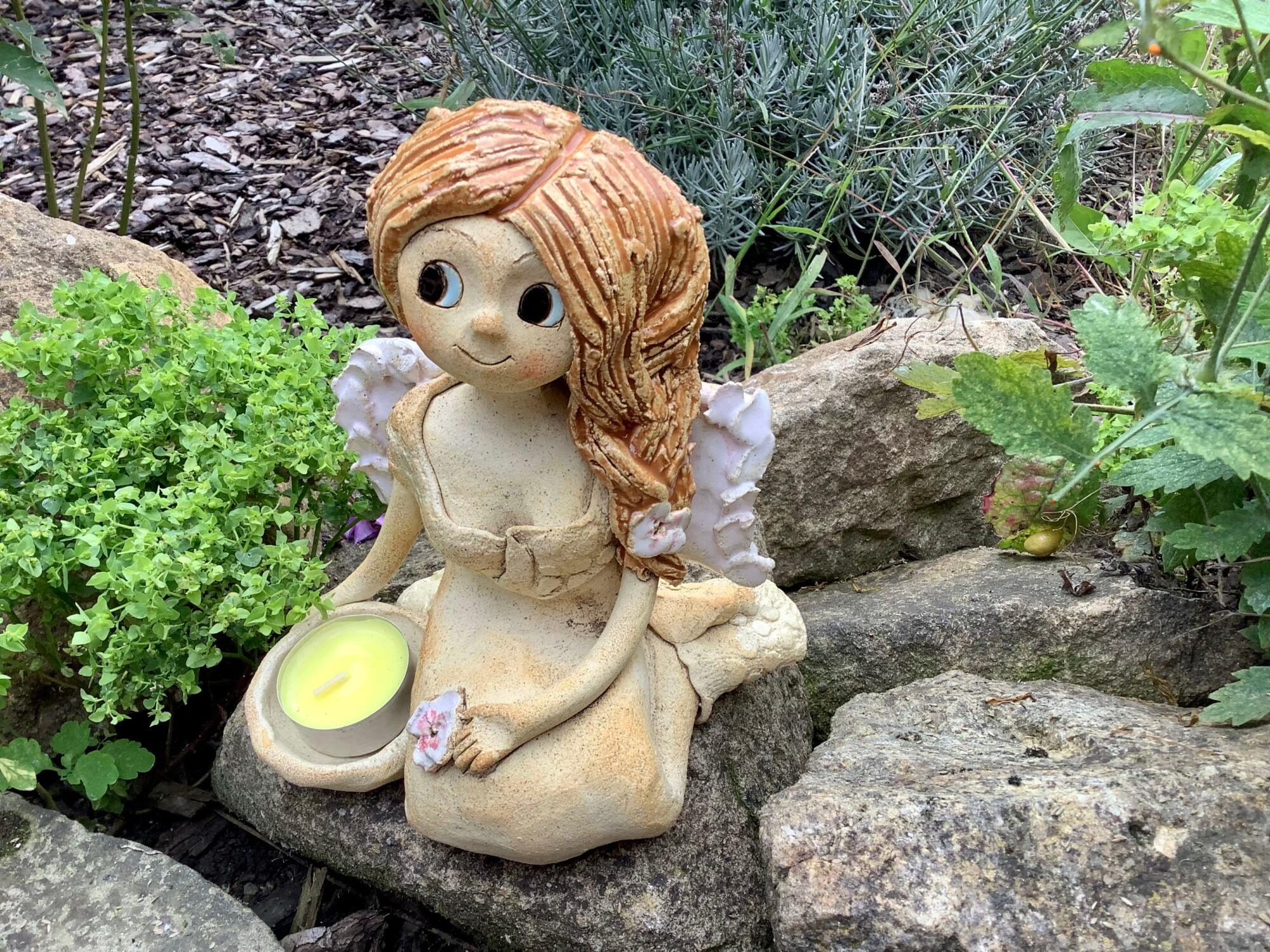Andelka jasmín květ křídla panenka dekorace soška keramikaandee Keramická dekorace
