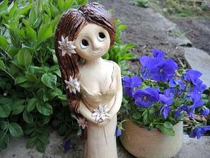 víla kopretinka kopretina stojící soška panenka dekorace keramika keramikaandee