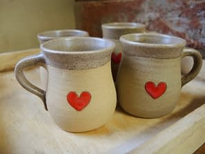hrnek hrníček šálek kafíčko kafe srdce láska napohodu keramikaandee