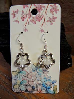 květinové náušnice květ kameny šperky andee korál