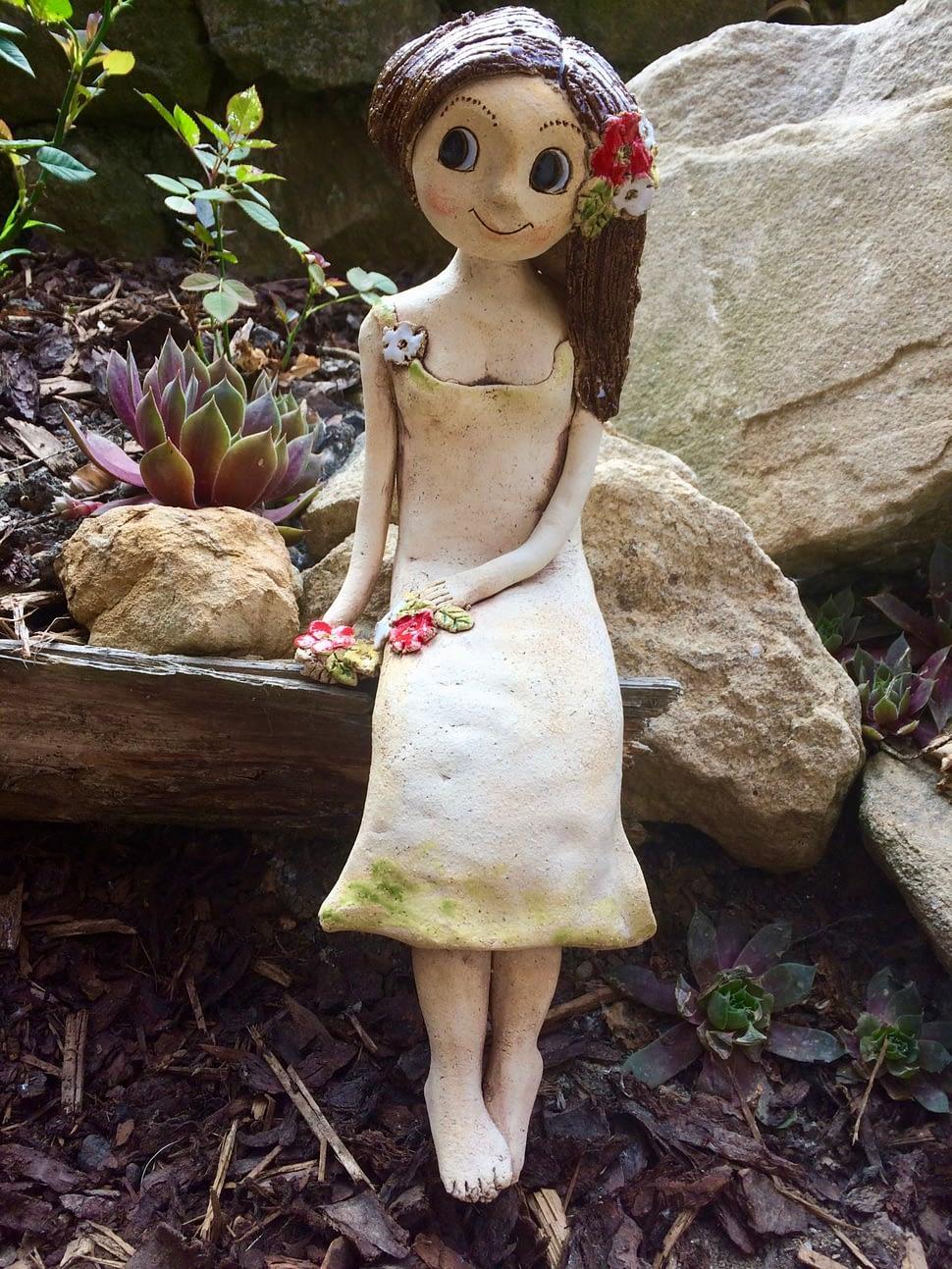 víla sedící květinová keramika andee