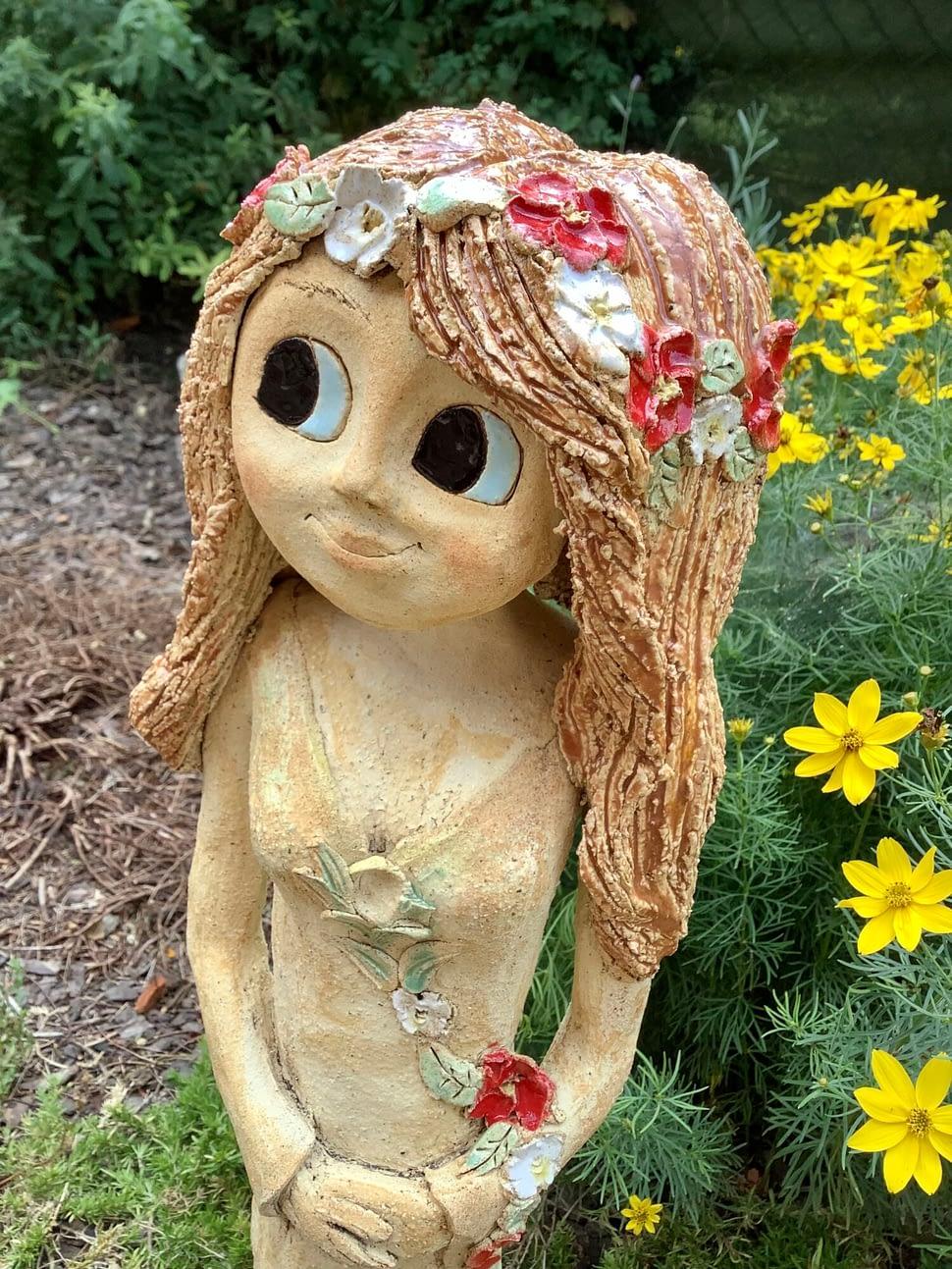 Velká vila květy červená zrzka dekorace socha keramika zahrada
