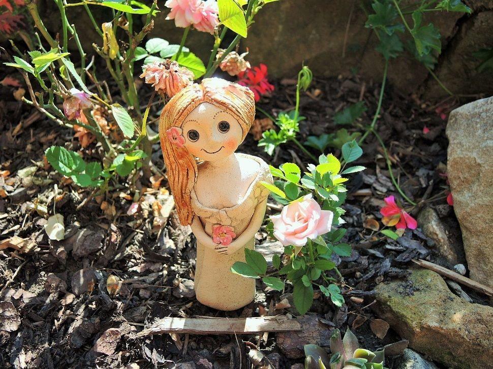 mini vila ruzova keramika andee