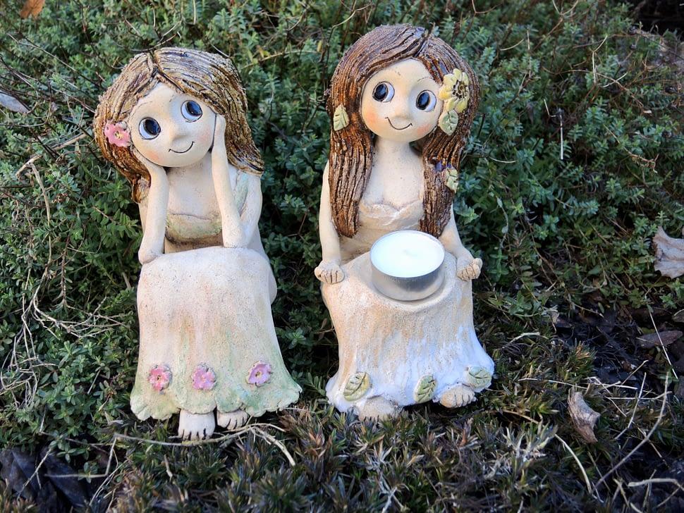 víla sedici rozmarné lato panenka dívka rozjímání loeuka květy dekorase zahrada dům keramika andee