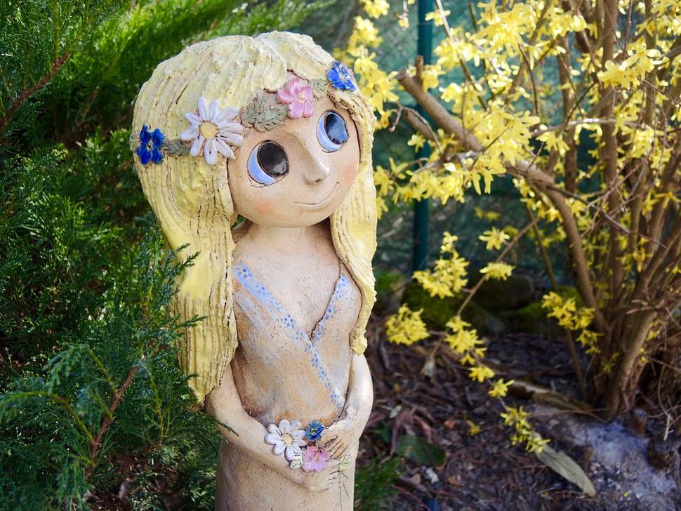 zahradní víla věneček květiny socha dekorace kopretina keramikaandee dívka