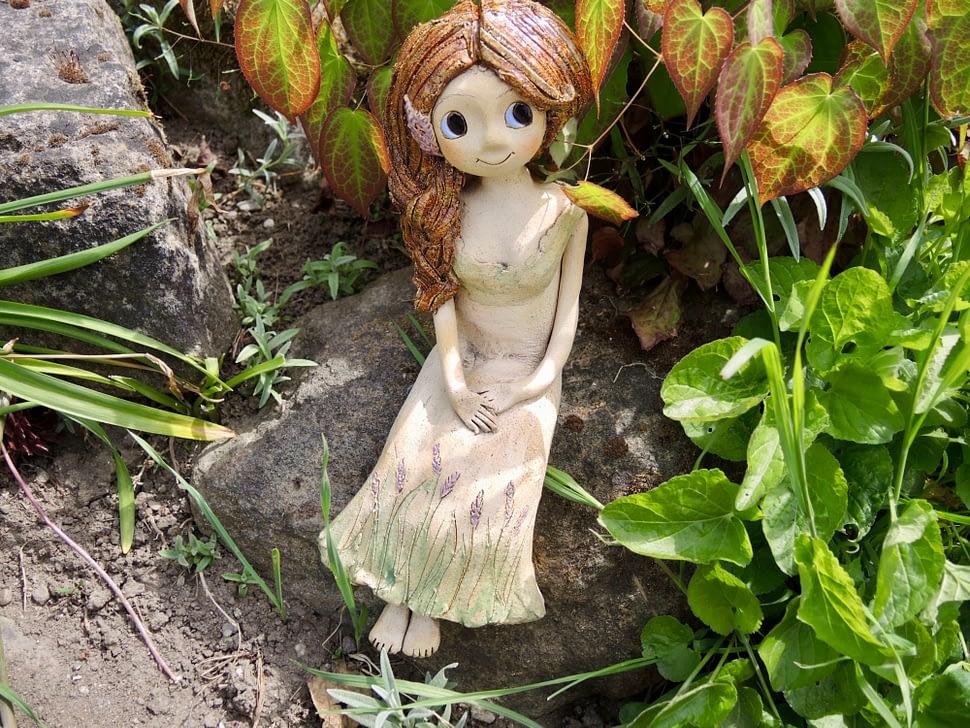 levandule levandulka víla dívka sedící květ cop copánek keramika andee