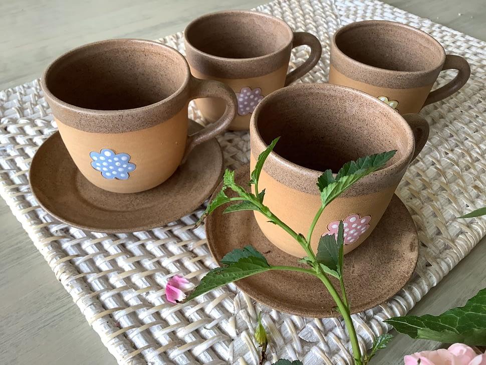 hrnek hrníček kafíčko květ puntík keramika keramikaandee