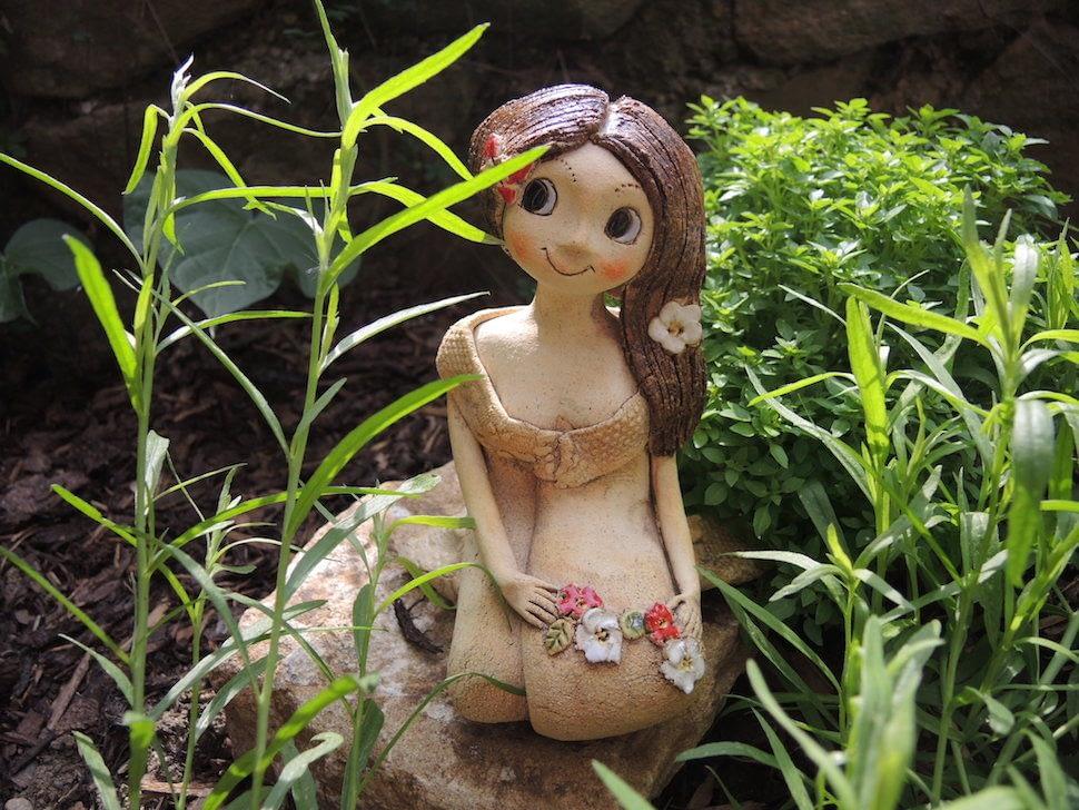 Klečící víla keramika andee 19cm
